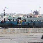 Гавана расположена на берегу Атлантического океана, огромная бухта и порт..
